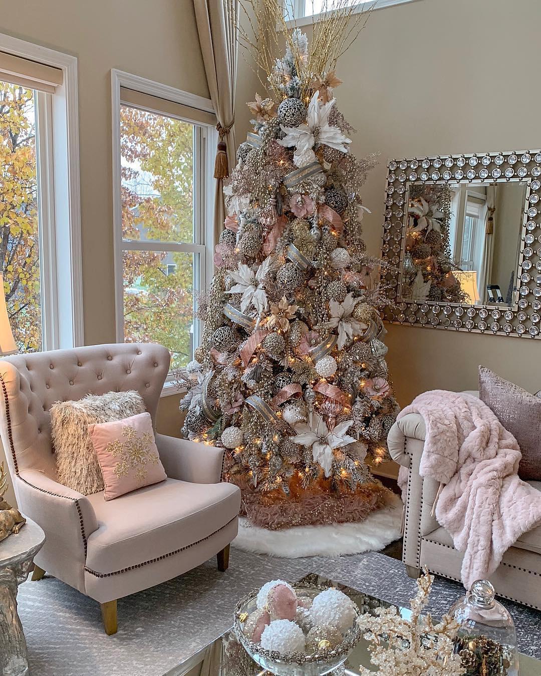 Feminine Christmas Tree | Farah Jmerti