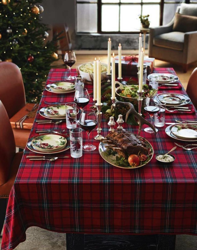 Plaid Christmas Table Setting