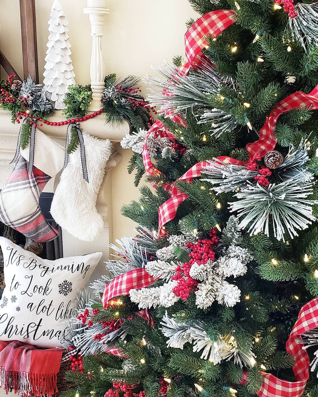 Red, White & Green Christmas