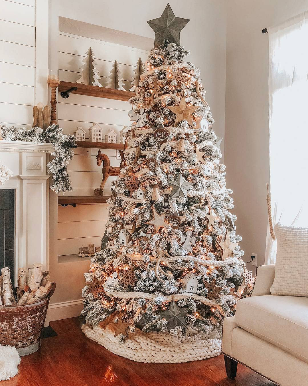 Rustic Christmas | The Lovely Deco