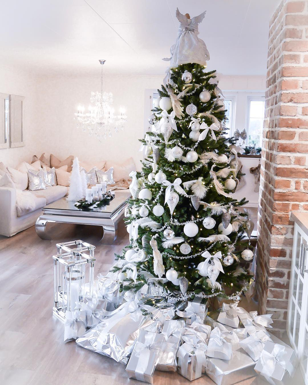 White Christmas Tree   jeanettkh on Instagram