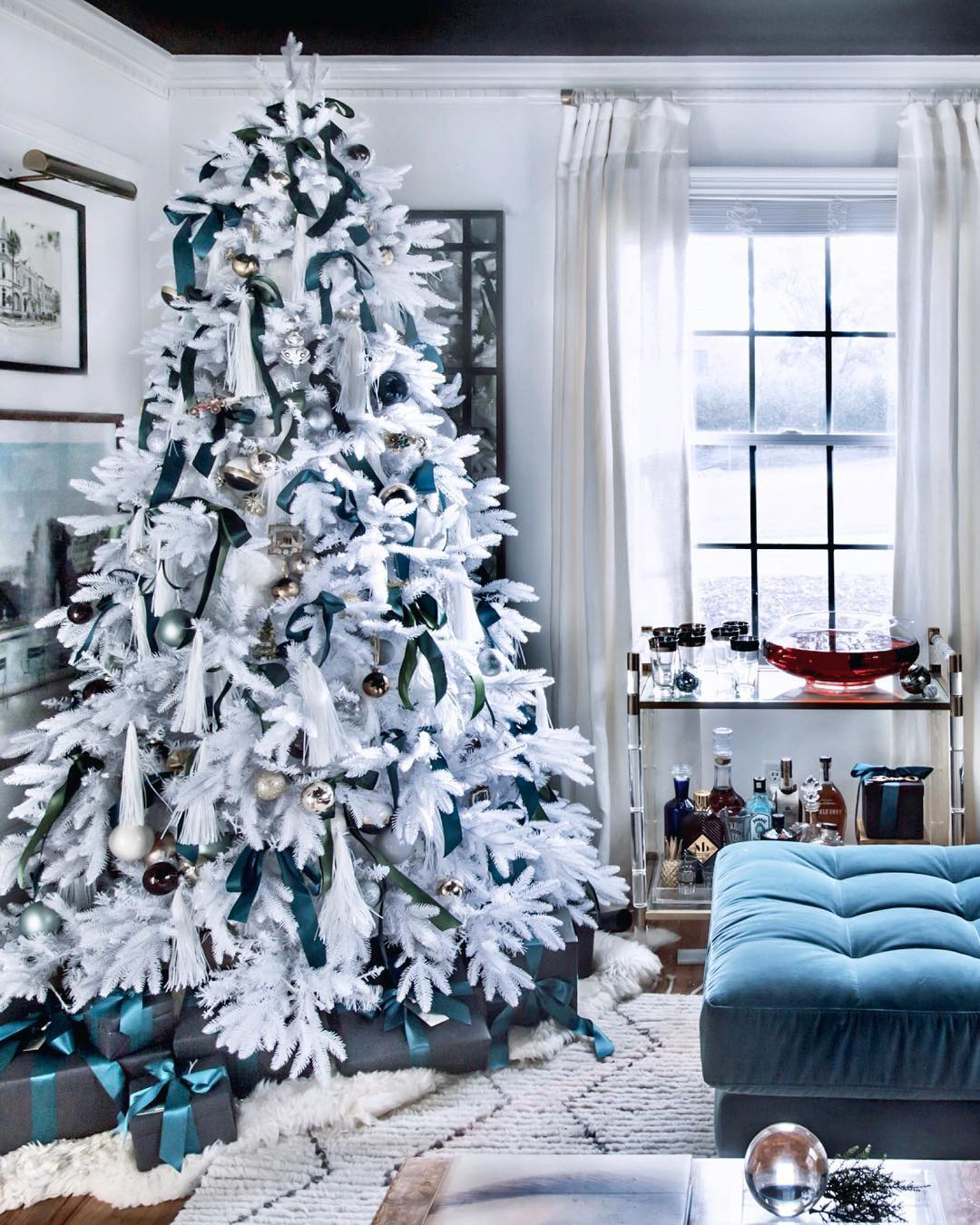 White & Teal Christmas Tree   Hunted_Interior