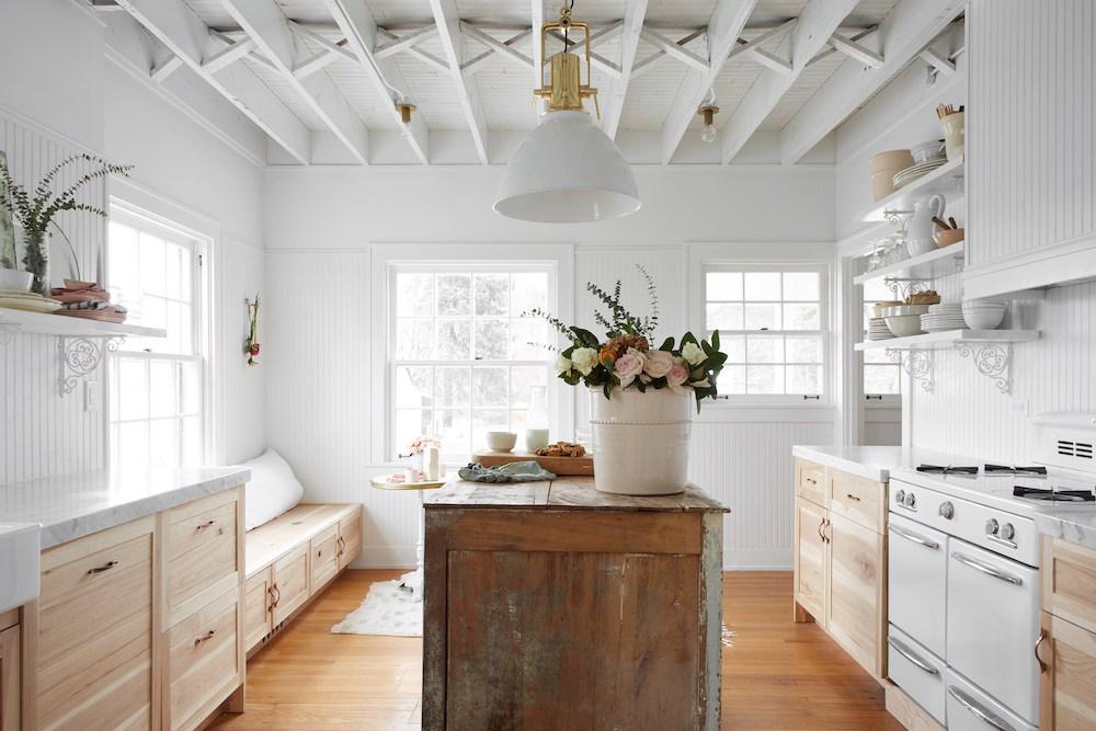 Modern Farmhouse Design by Leanne Ford