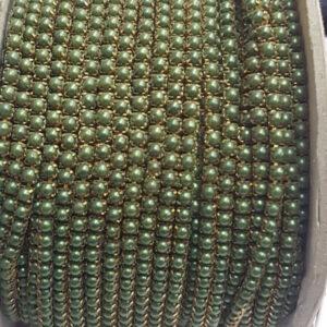 Dark green pearl chain