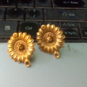Antique gold studs