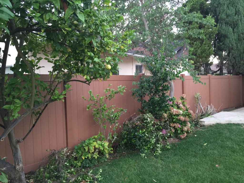 Rustic vinyl fencing in North Hollywood