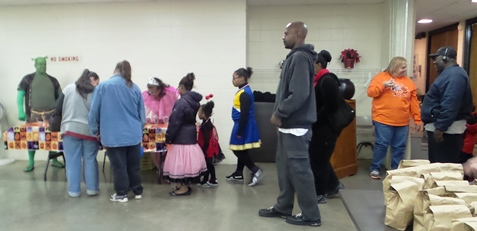 Halloween party at Eisenhower Recreation Center. (Photo by Lou Braswell)