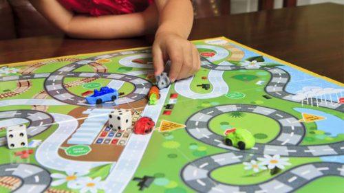 Los beneficios de los juegos de mesa en los niños