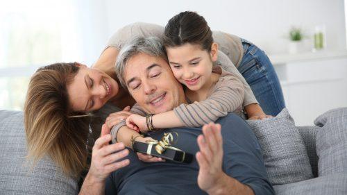 Las parejas que crían juntos a los niños son más felices