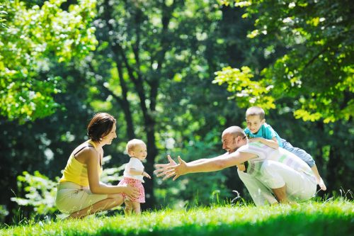 Haz felices a tus hijos siendo feliz