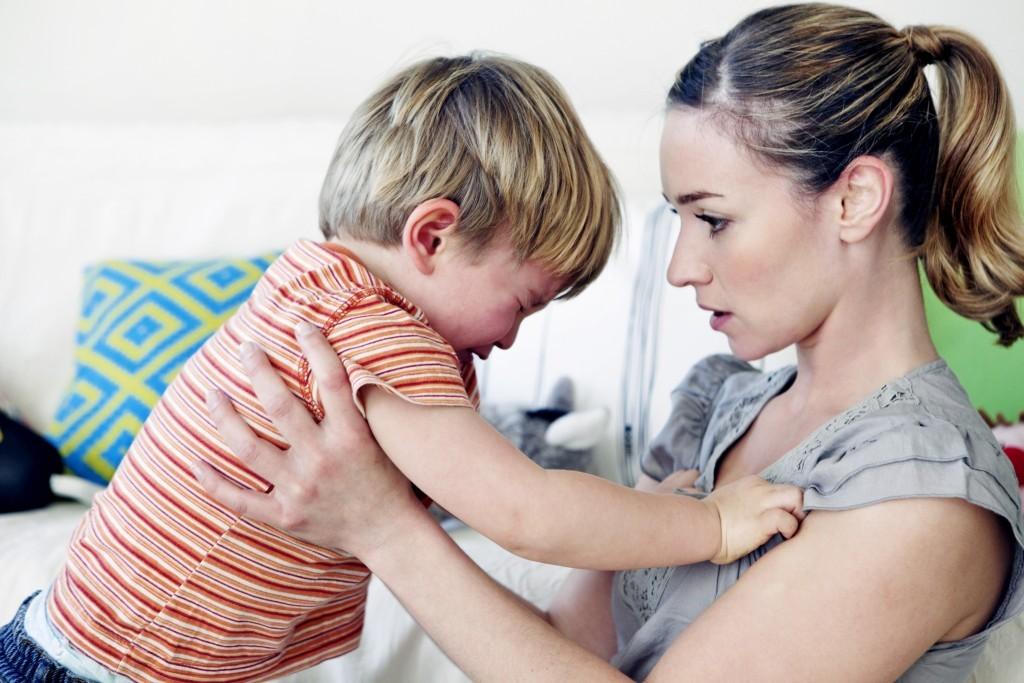 ¿Qué debo hacer ante los berrinches de mi hijo?