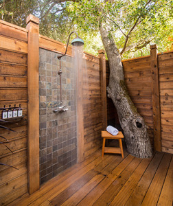201406-w-outdoor-showers-calistoga-ranch