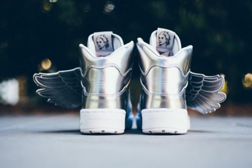 Adidas_Jeremy_Scott_Wings_Silver_
