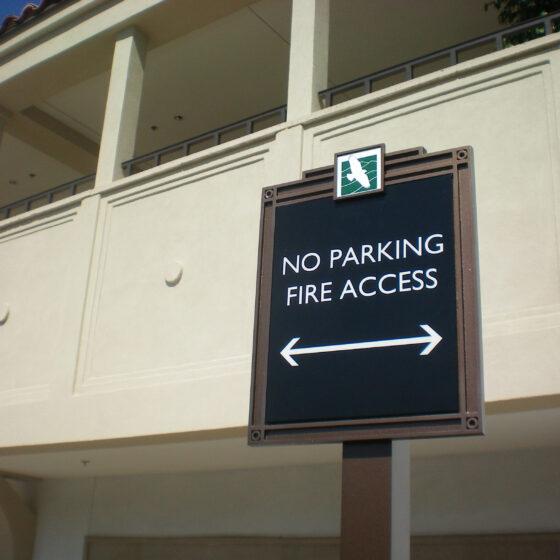 Calabasas CC Parking