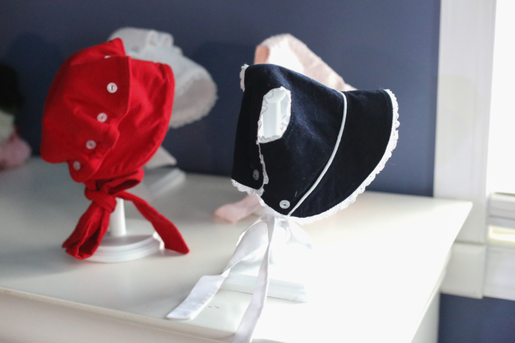 how to make a bonnet stand
