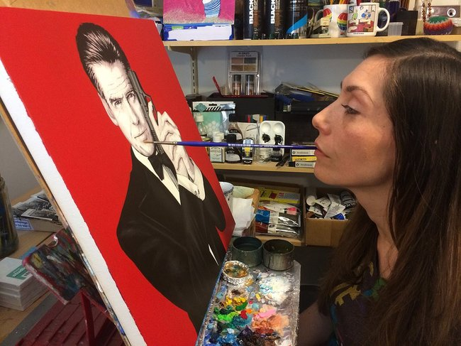 Paralyzed Artist Has Learned To Paint Some Of The Most BEAUTIFUL Masterpieces!