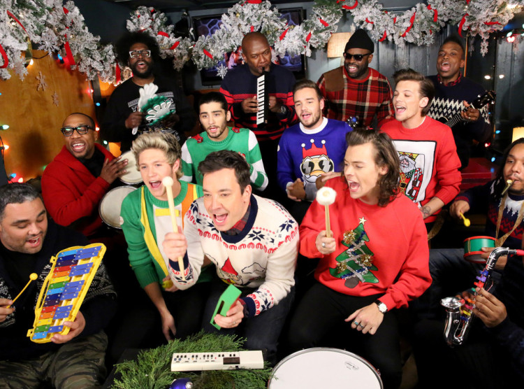 """One Direction, Jimmy Fallon, & The Roots Sing """"Santa Claus Is Coming To Town"""" And It Is AWESOME"""
