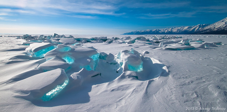 12 Of The Most Jaw-Droppingly Beautiful Photos Of Frozen Lakes, Oceans, And Ponds