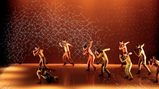This Absolutely Stunning Light And Dance Show Is Going To Blow Your Mind!