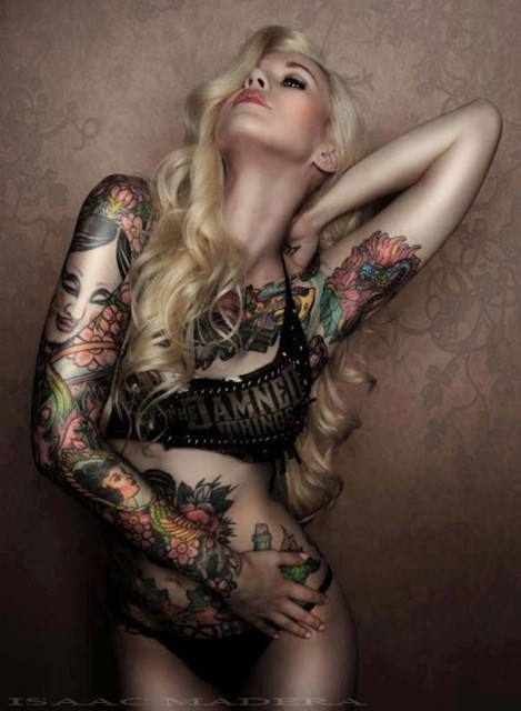 models-with-tattoos (25)