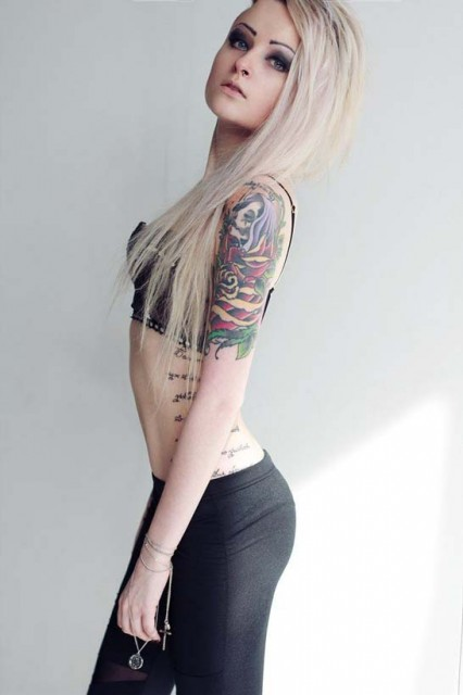models-with-tattoos (30)