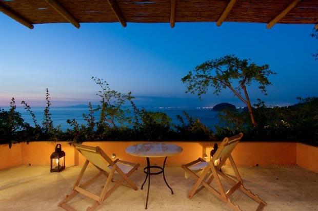 ocean-balcony-view (2)