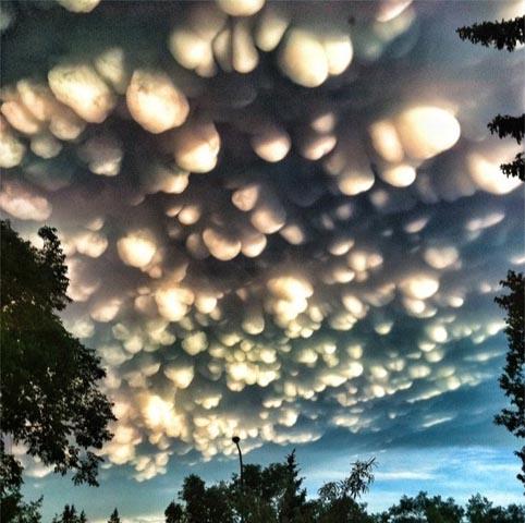 weird-beautiful-cloud-formations-12