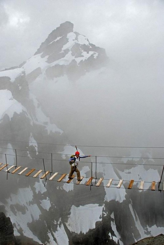 afraid-of-heights-dont-look-down-19