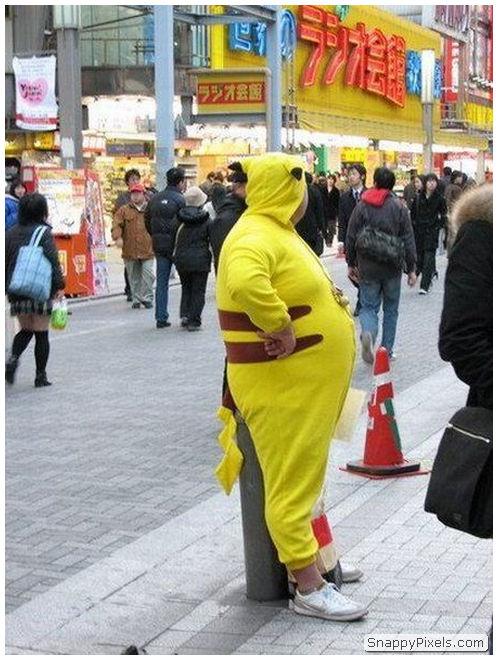 bad-cosplay-costume-fails-15