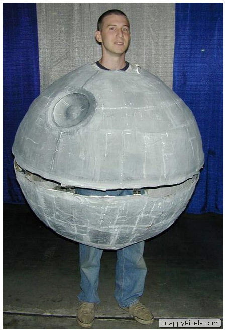 bad-cosplay-costume-fails-17