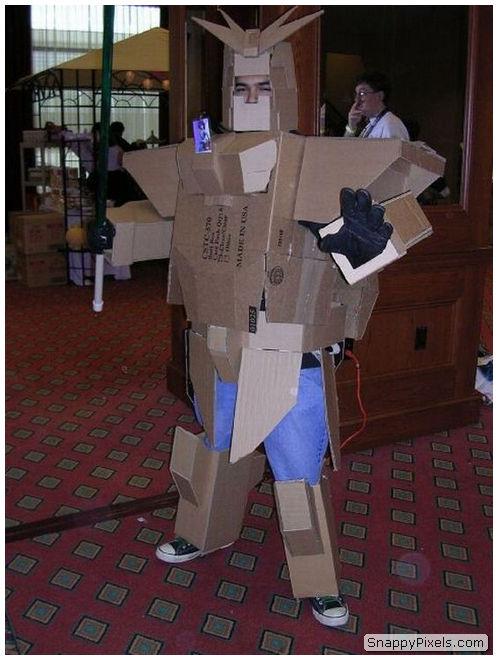 bad-cosplay-costume-fails-18