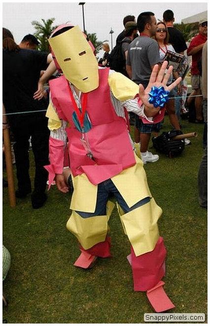 bad-cosplay-costume-fails-28
