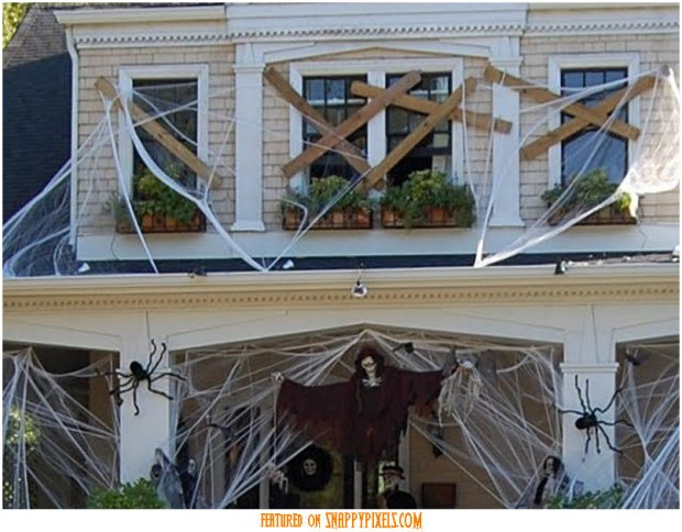 diy-scary-halloween-decorations-outside-1