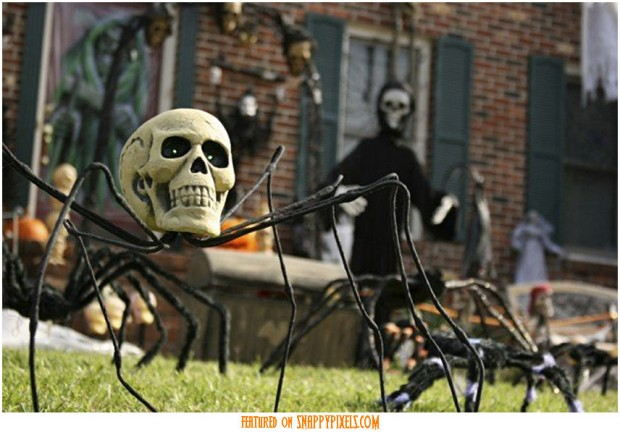 diy-scary-halloween-decorations-outside-15