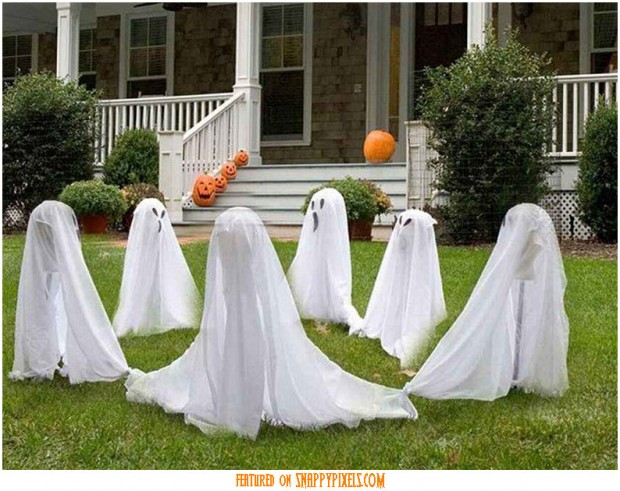 diy-scary-halloween-decorations-outside-2