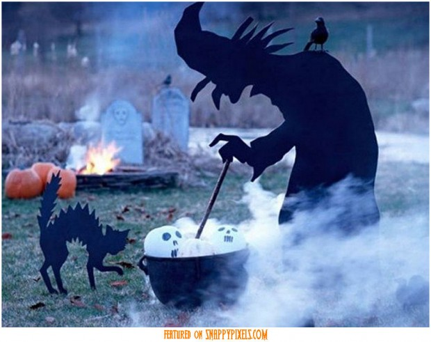 diy-scary-halloween-decorations-outside-3