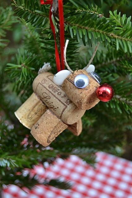 diy-wine-cork-art-projects-20