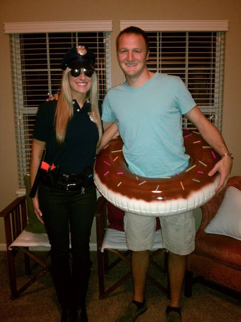 creative-halloween-costumes-made-for-couples-19