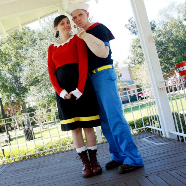 creative-halloween-costumes-made-for-couples-24