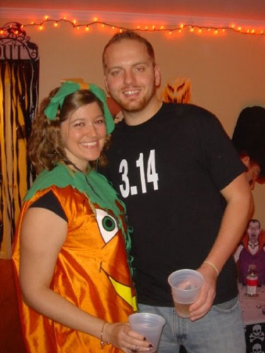 creative-halloween-costumes-made-for-couples-25