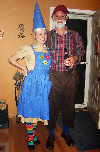 creative-halloween-costumes-made-for-couples-6