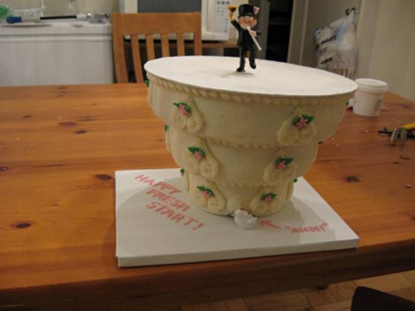 funny-cakes-celebrating-divorce-29