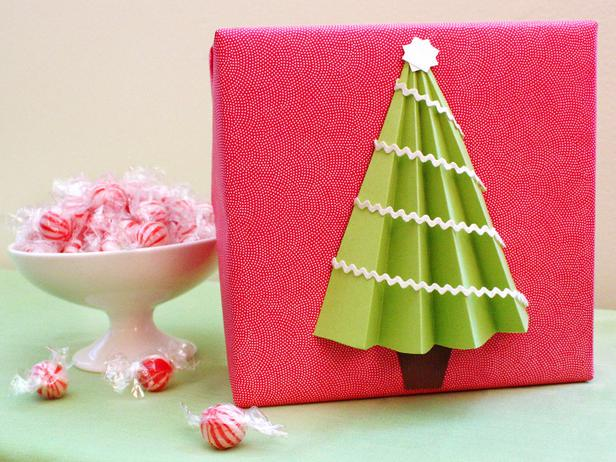 3-D Christmas Tree Gift Wrap