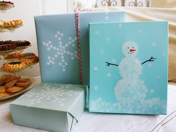 Morgan-Levine-snowman-gift-wrap