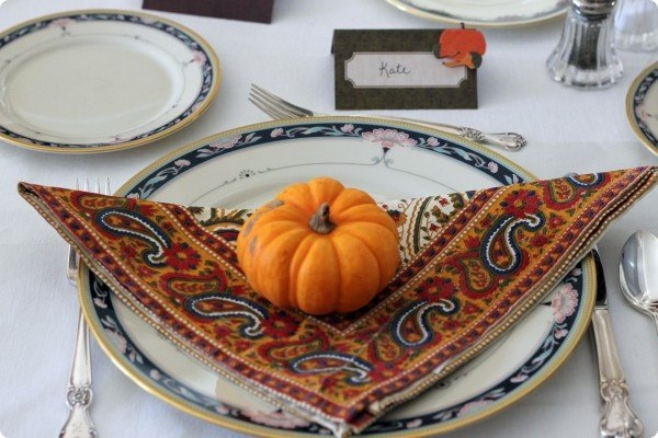 creative-thanksgiving-place-settings-table-3