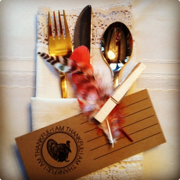 creative-thanksgiving-place-settings-table-4