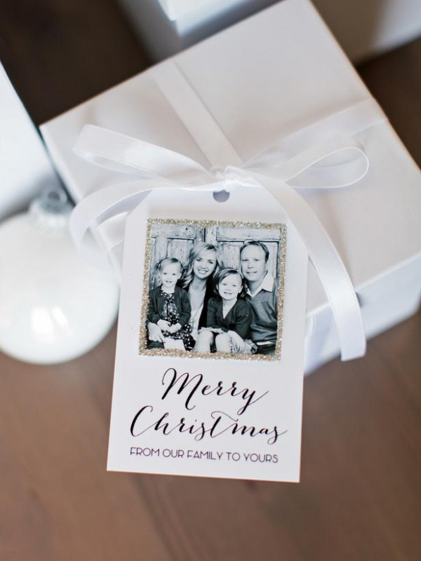 gift wrapping with photo tags