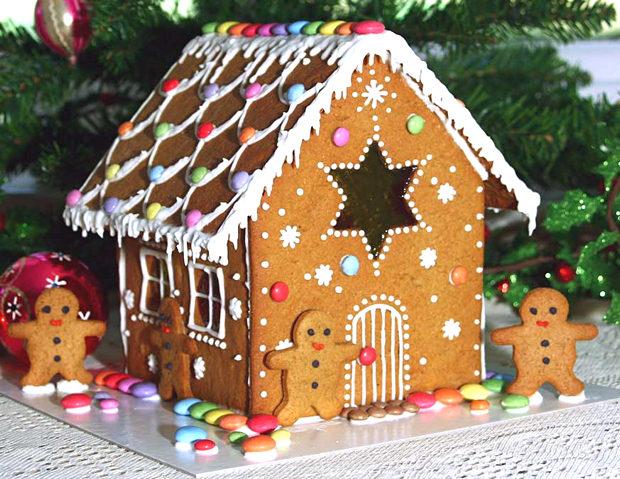 Simple-Inspiring  Gingerbread House Ideas-17