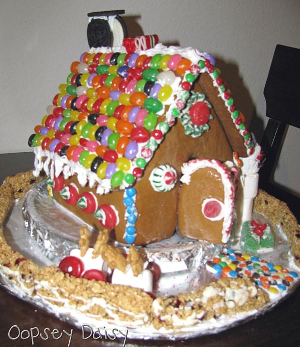 Simple-Inspiring  Gingerbread House Ideas-20
