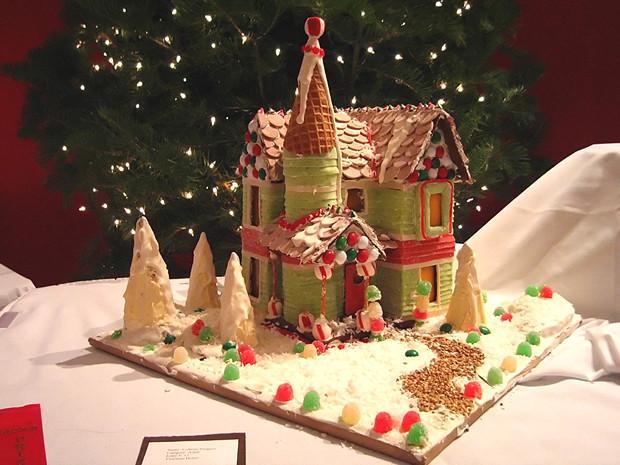 Simple-Inspiring  Gingerbread House Ideas-21